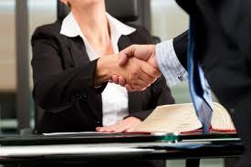 Consejos a la hora de contratar un abogado/a
